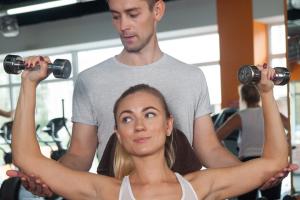 スポーツで筋肉を鍛える方法